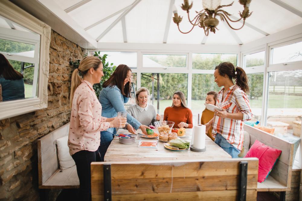 Der Wintergarten als Raum zum Feiern mit Gästen
